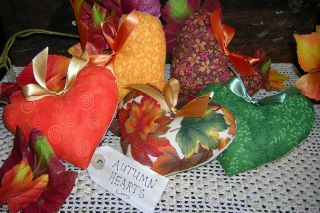 Primitive Thanksgiving Heart Tucks Bowl Filler Ornies Autumn Seasonal Decor photo
