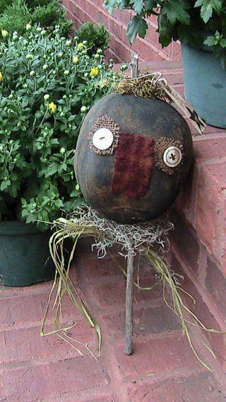 Primitive Grungy Pumpkin Poke 14