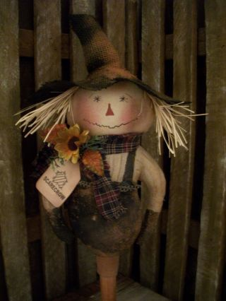 Primitive Overall Scarecrow == Bobbin== Sunflower Doll == photo