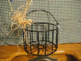 Primitive Black Wire Round Basket W/handle 6