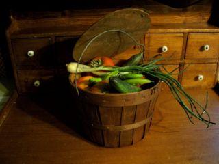 Farmhouse Pantry Gathering - Prim 4 Quart Basket Wire Bail Handle Lid Veggies photo