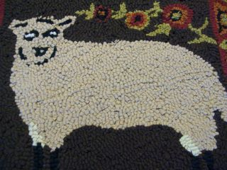 New England Primitive Vintage Sheep Hooked Rug/ Wall Hanging 13