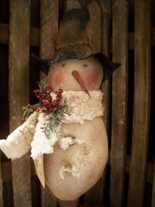 Primitive Snowman Bobbin == Glitter Fleece Doll == photo