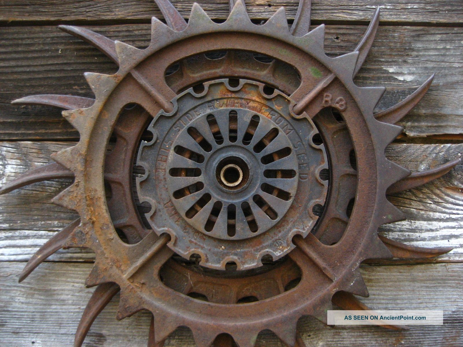 Antique Wheels And Gears : Industrial gears wallpaper