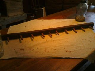 Primitive Settlers Peg Rack photo
