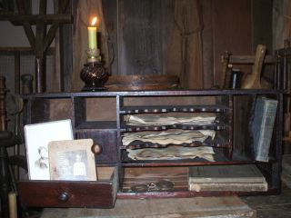 Olde Primitive/antique Keeping Room Treasure Keep Gathering photo