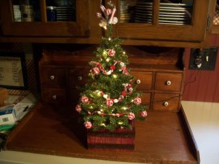 Country Primitive Christmas Tree W/tiny Rice Lites,  Handmade Garland & Ragballs photo