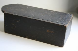 Late 18th/early 19th Century Ne Tombstone Slide Top Candlebox - Square Nails photo