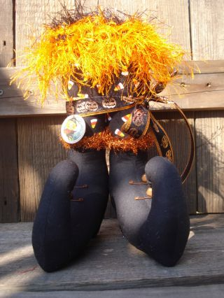 Primitive~halowween~candy Corn~jak O Lantern~ Minnie~witch Boots photo