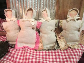 Four Prim Olde Church Dolls photo