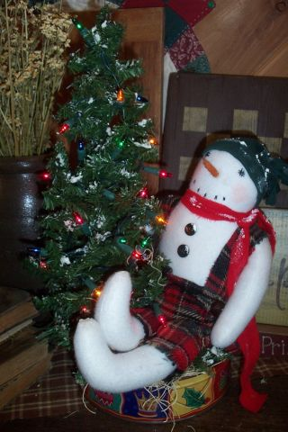 ♥ Primitive Snowman Doll & Pine Tree ~ Wynter - Thyme Centerpiece ♥rcp♥ photo