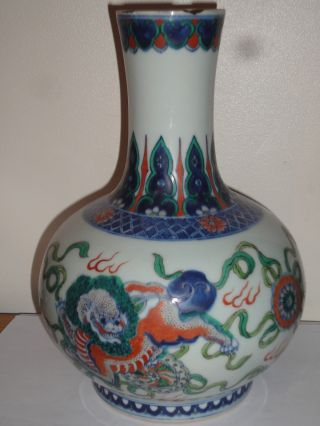 Magnificent Large Chinese Doucai Porcelain Vase Chenghua 6 Char Mark Rim Chips photo