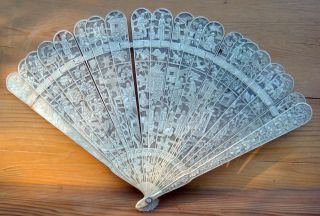Antique Asian Chinese Early 19c Ox Bone Fan photo