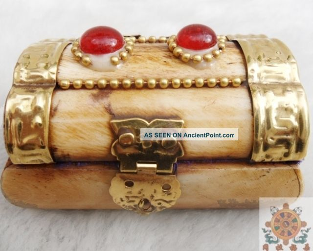 Chinese Old Ox - Bone Hand Carving Mosaic Red Jade Jewelry Box Boxes photo
