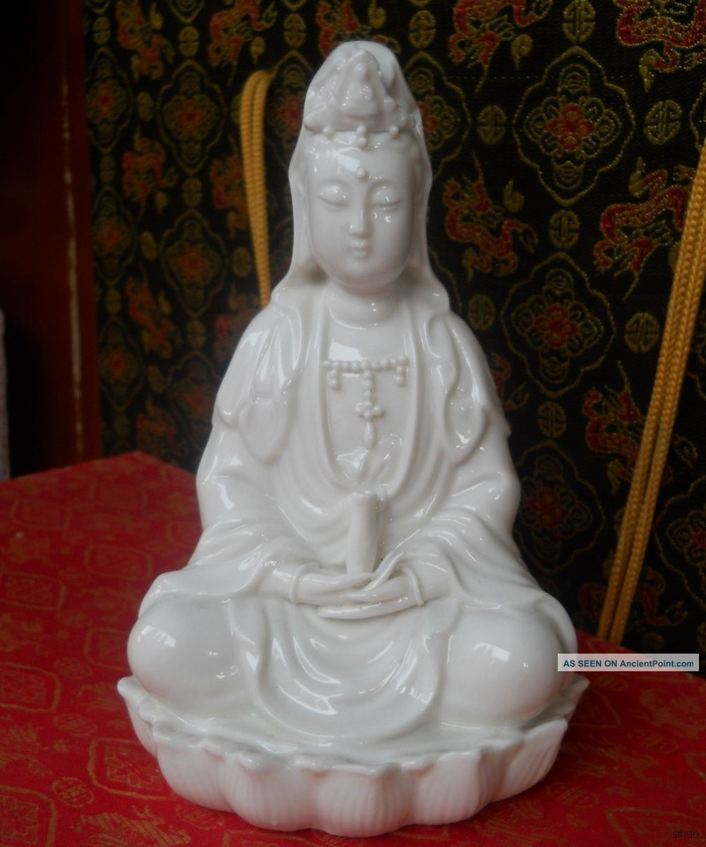 Chinese Famous Dehua Porcelain Statue Of The Goddess Of Mercy Reproductions photo