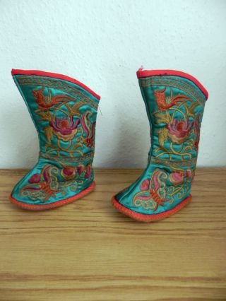 Fantastic Pair Of Chinese Silk Or Similar Fabric Childs Shoes / Booties - 20th C photo