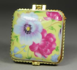 Chinese Handwork Porcelain Flower Old Jewel Case photo