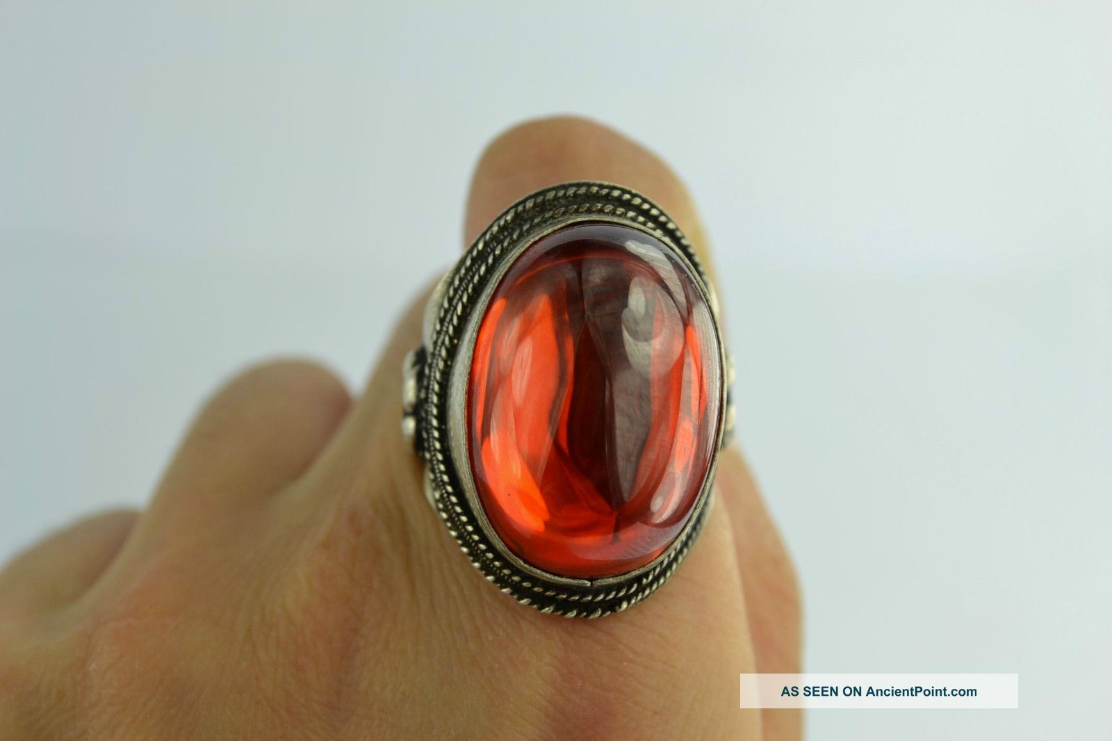 China Rare Collectibles Old Decorated Wonderful Handwork Zircon Red Ring Native American photo