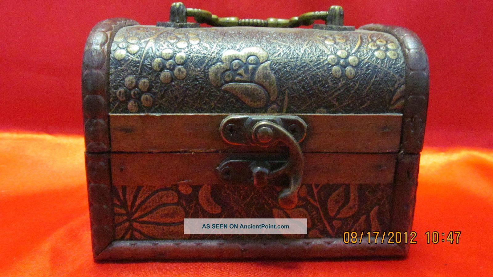 Elegant Chinese Big Jewelery Wood Box Classical Style On Sale Boxes photo