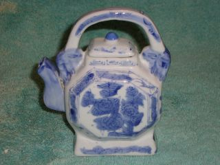 Gorgeous Chinese Porcelain Teapot,  Blue & White,  Octagon Shaped,  With Lid photo