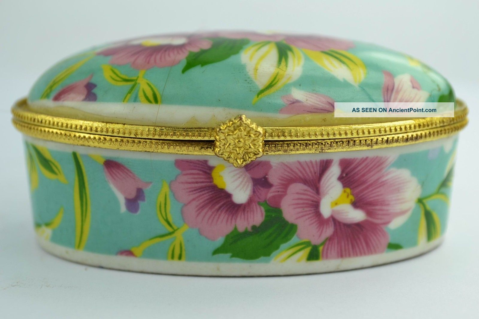 Asian Old Collectibles Decorated Wonderful Handwork Porcelain Flower Jewel Box Boxes photo