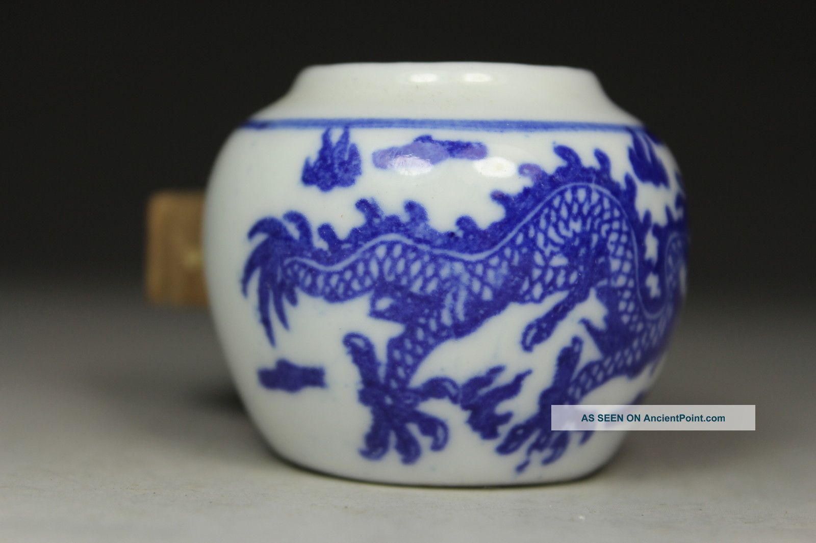 Chinese Handwork Painting Dragon Old Porcelain Bird Feeder Pot Uncategorized photo