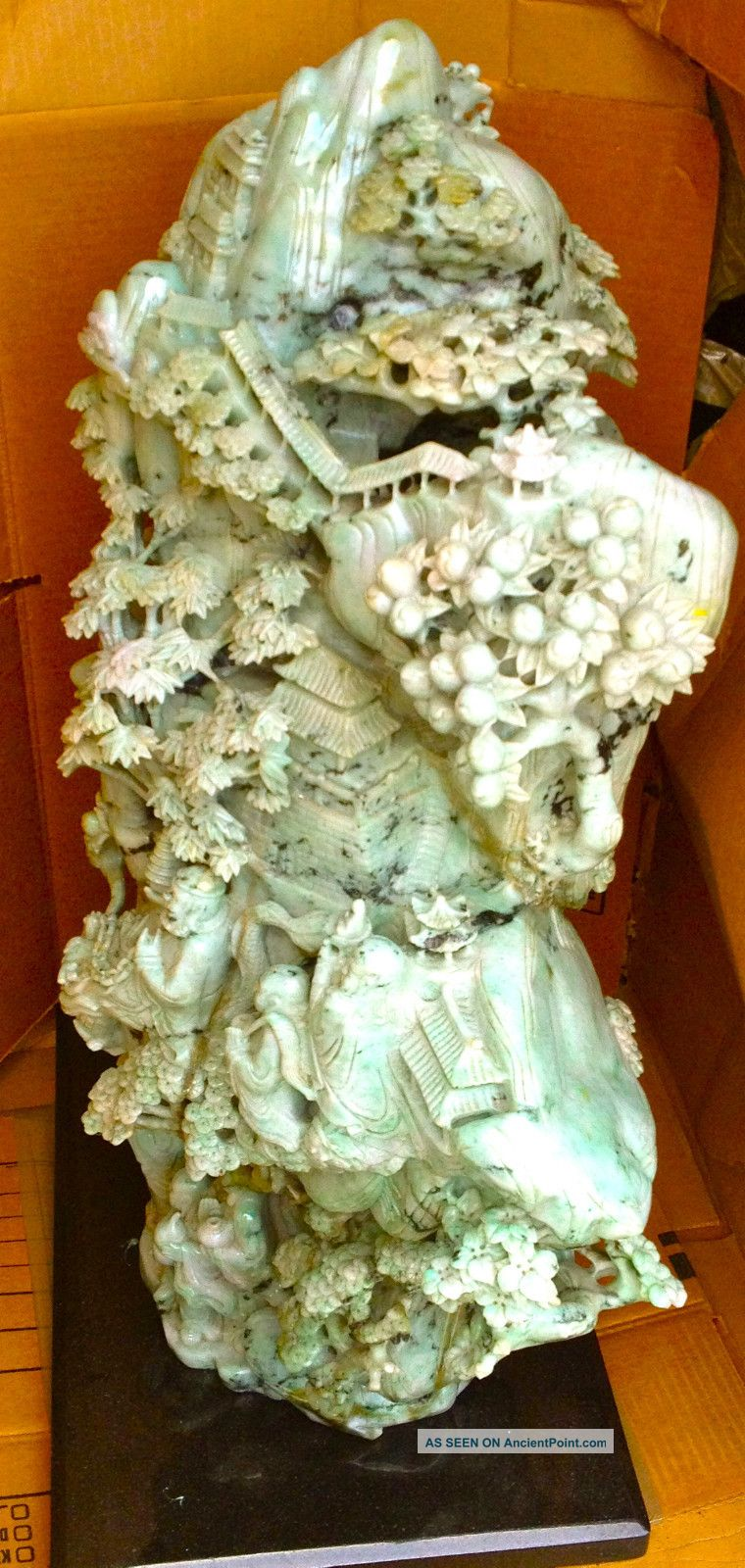 Exquisite Chinese Jade Sculpture Beyond Compare And Very Rare Buddha photo