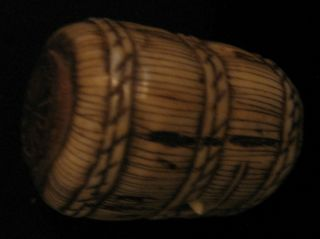 Antique Japanese - Netsuke Barrel With Mouse On Top And Inside - 1850 - 1899 photo