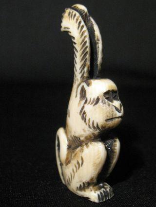 Antique Japanese 象牙 Stained Inked Ox Bone Netsuke Monkey Signed Amazing Details photo