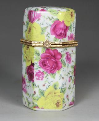 Asian Oriental Porcelain Wonderful Handwork Painting Flower Toothpick Box photo