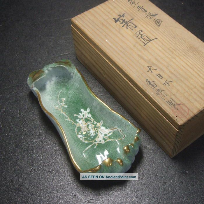 F382: Japanese Kyoto Porcelain Chopstick Rest With Painting.  Rare Style W/box Other photo