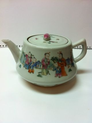 Antique Chinese Famille Rose Porcelain Teapot – photo