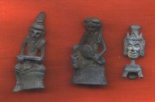 3 Old Ruesie Figures photo
