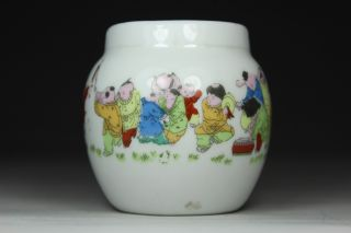Chinese Handwork Painting Favorite Old Porcelain Bird Feeder Pot photo