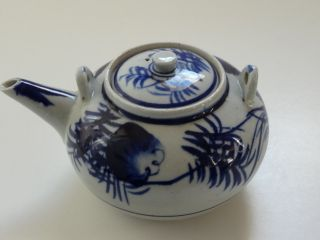 Antique Chinese Export Porcelain Blue And White Fern Leaf Teapot photo