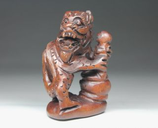 Oriental Old Boxwood Handwork Carving Belle Netsuke photo