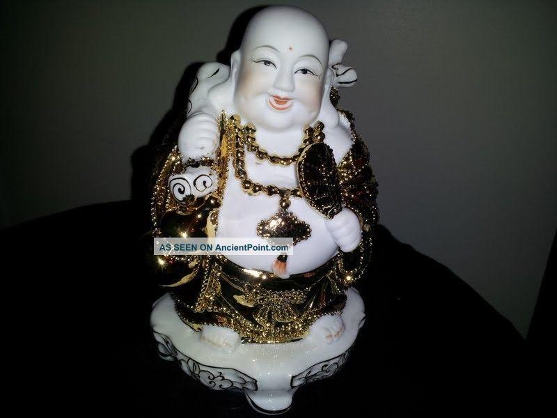 Chinese Feng Shui Laughing Buddah (fortune Wealth Money) Buddha photo