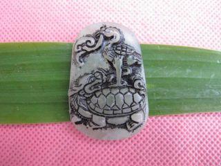 Tibet Folk Classical Jade Stone Carve Auspicious Basaltic Suzaku Pendant 361 photo