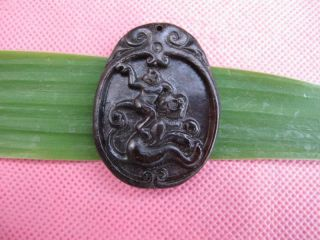 Tibet Folk Classical Jade Stone Carve Lucky Auspicious Monkey King Pendant 360 photo