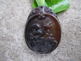 China Folk Classical Jade Stone Carve Auspicious Wolfhound Pendant 275 photo