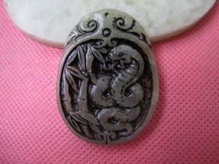 Tibet Folk Classical Jade Stone Carve Auspicious Serpent God Pendant 219 photo