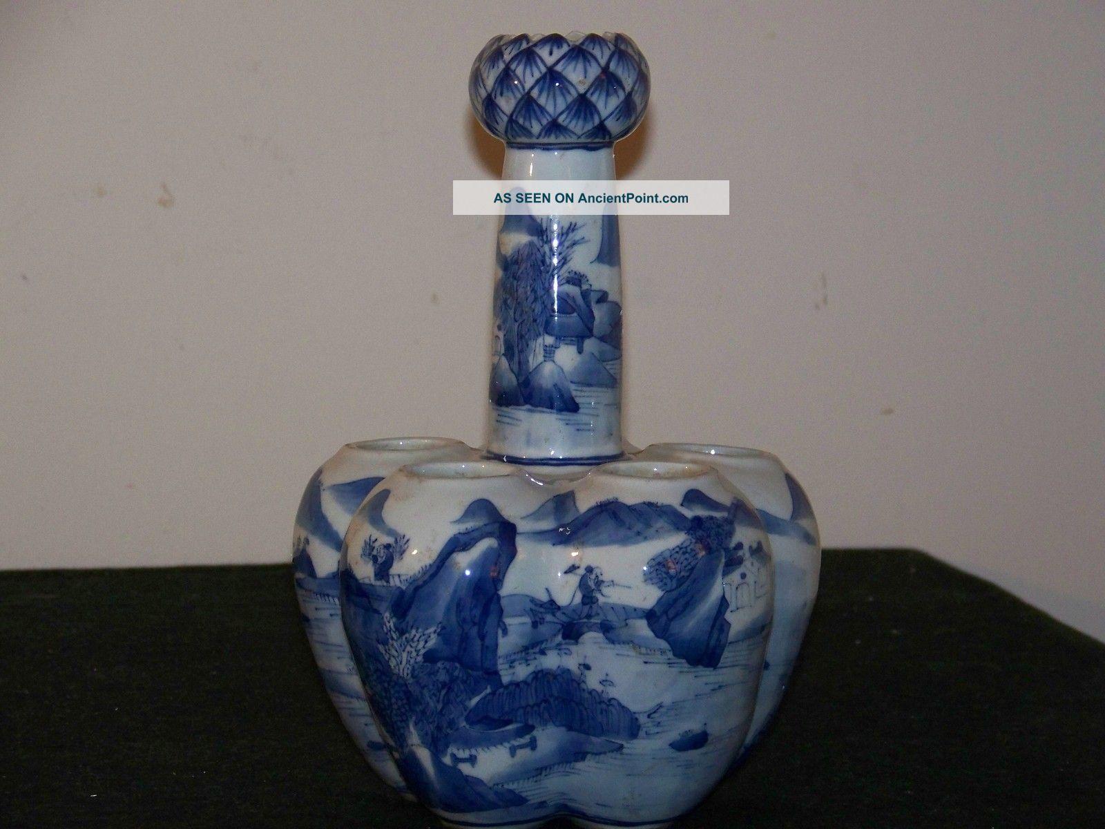 Chinese Kangxi Under Glaze Mark Blue & White Tulip Vase Vases photo
