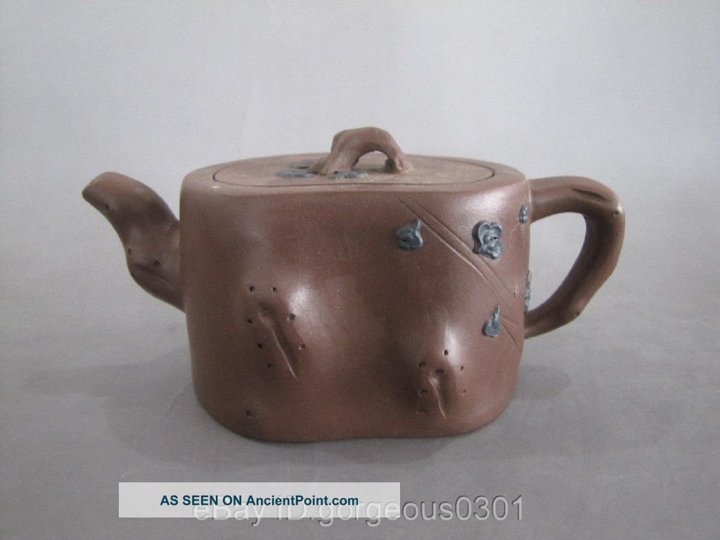 Excellent Chinese Yi Xing Zi Sha Teapot 2 Teapots photo