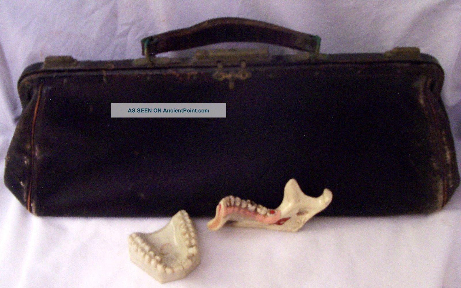Antique Medical Bag W/ Dental Teeth Vintage Dental Teaching Teeth & Medical Bag Doctor Bags photo