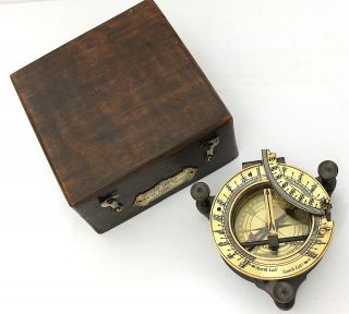 Maritime Pocket Sundial Compass With Box – Hatton Garden Sundial Compass W Box photo