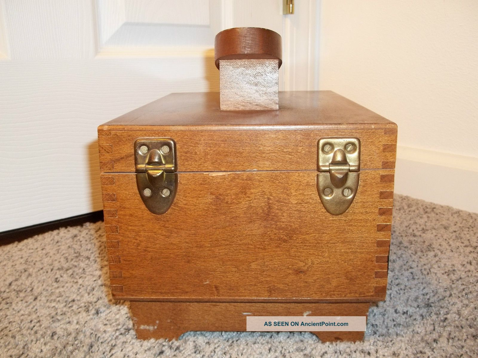 Superb img of Vintage Amcrest Dovetailed Wooden Shoe Shine Box Made In Italy With  with #864923 color and 1600x1200 pixels