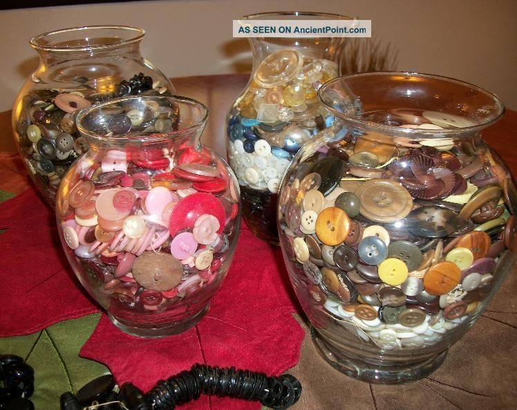 Lot 13 Pounds Vintage And Antique Buttons Bakelite,  Wood,  Glass,  Cards,  Styles Buttons photo