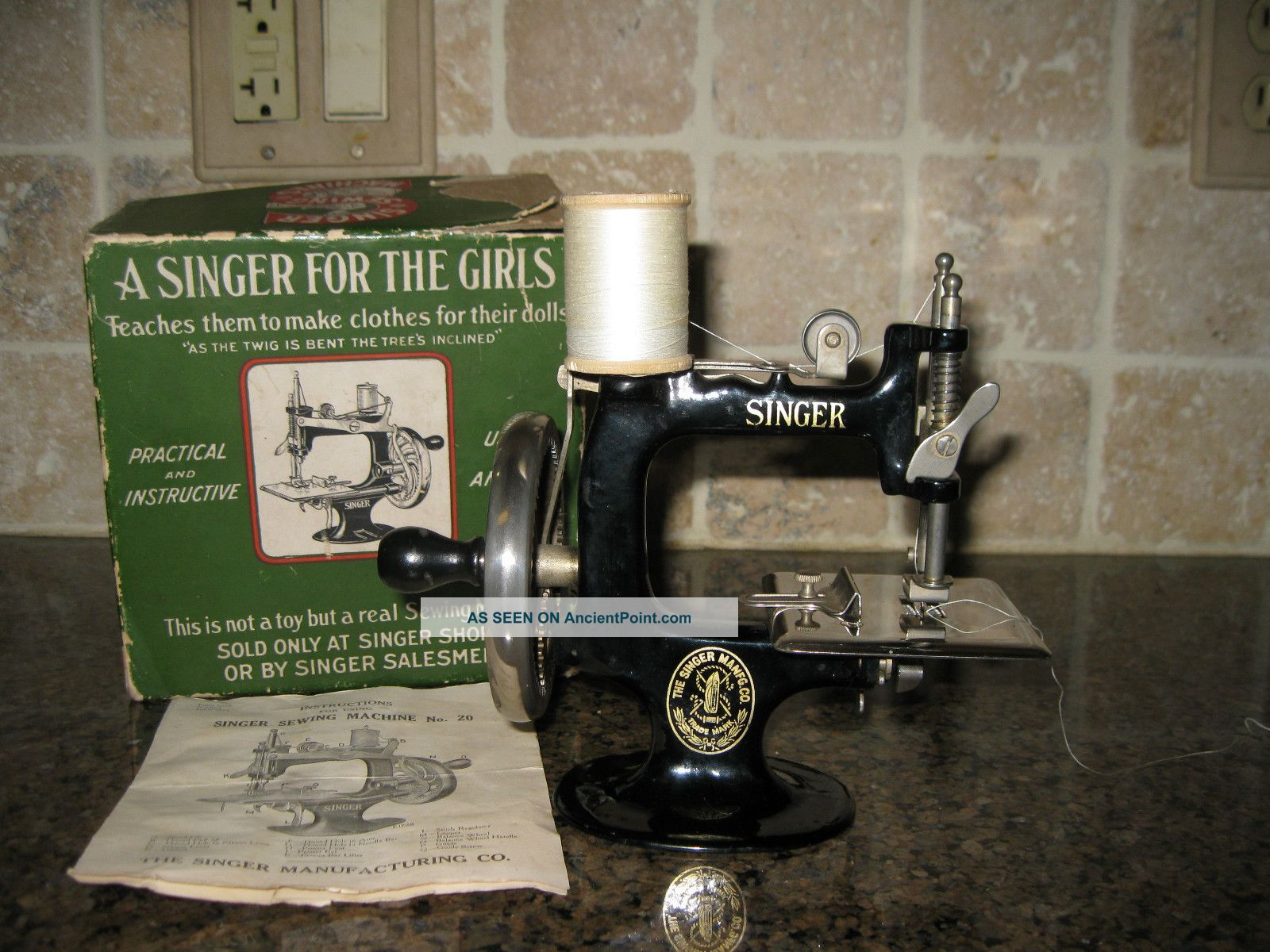 1920 ' S - Singer Sewing Machine Salesman Sample With Box Sewing Machines photo