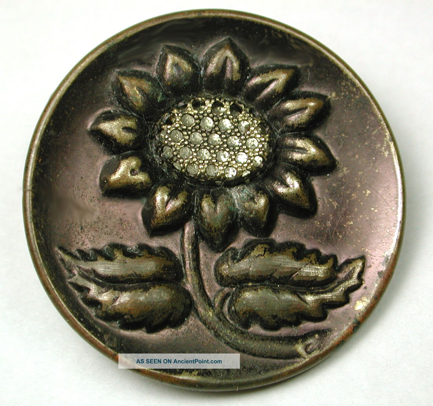 Antique Brass Button Pictorial Floral Design Lg Sz Buttons photo