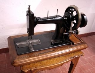 Macchina Da Cucire Suprema,  Wertheim,  Francoforte,  1890/1910.  Old Sewing Machine photo